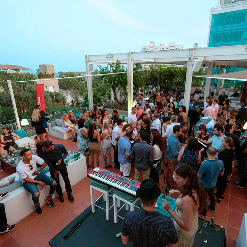 Arola S Nights The Best Party In A Beachfront Hotel In