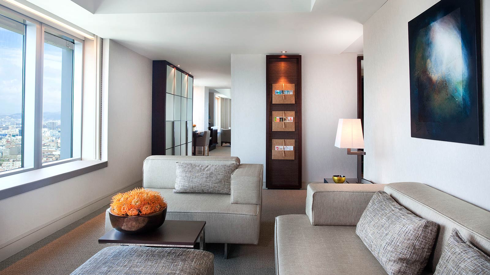 Executive Suite – Living room